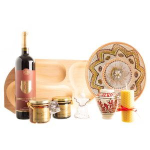 """Coș traditional cu platou mare din lemn pentru servit, bunătăți și decorațiuni """"SĂRBĂTOAREA DIN INIMĂ"""""""